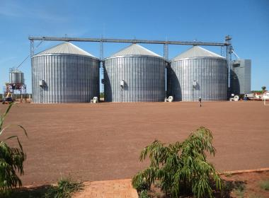 3 Flat Bottom Silo in Matala (Angola)