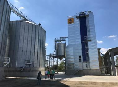 3 Flat Bottom Silos in Hungary