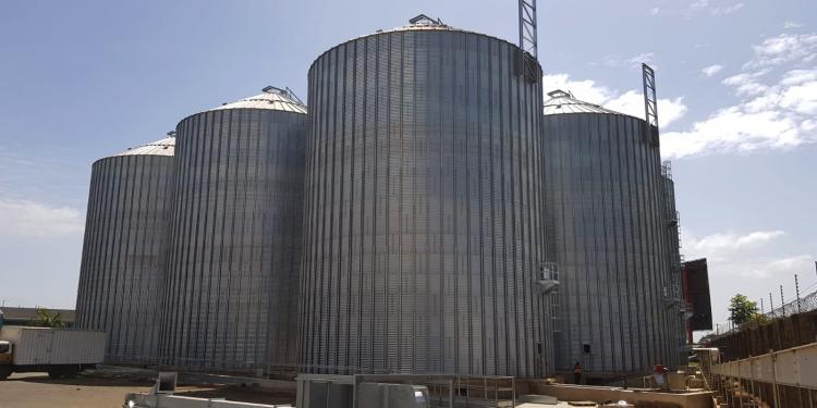 5 Flat bottom silos in Tika (Kenya)